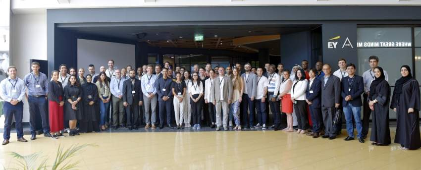 جانب من المشاركين في برنامج مسرعات دبي المستقبل. (الرؤية)