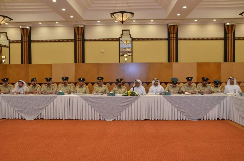 اجتماع بحث التكامل بين قطاعات شرطة دبي. (الرؤية)
