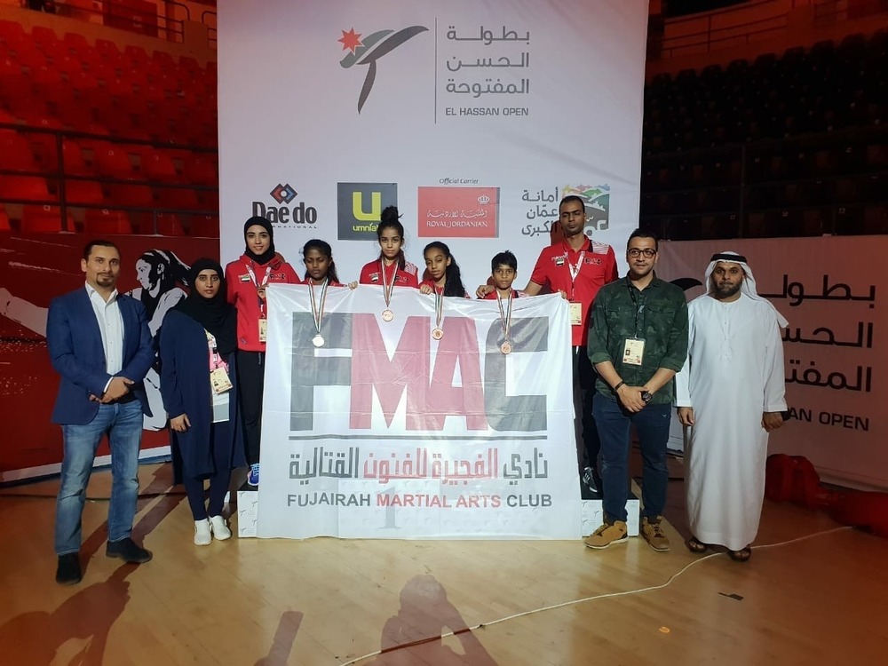 ناشئو وشباب تايكواندو الفجيرة أثناء مشاركتهم في بطولة  آسيا بالأردن.(الرؤية)