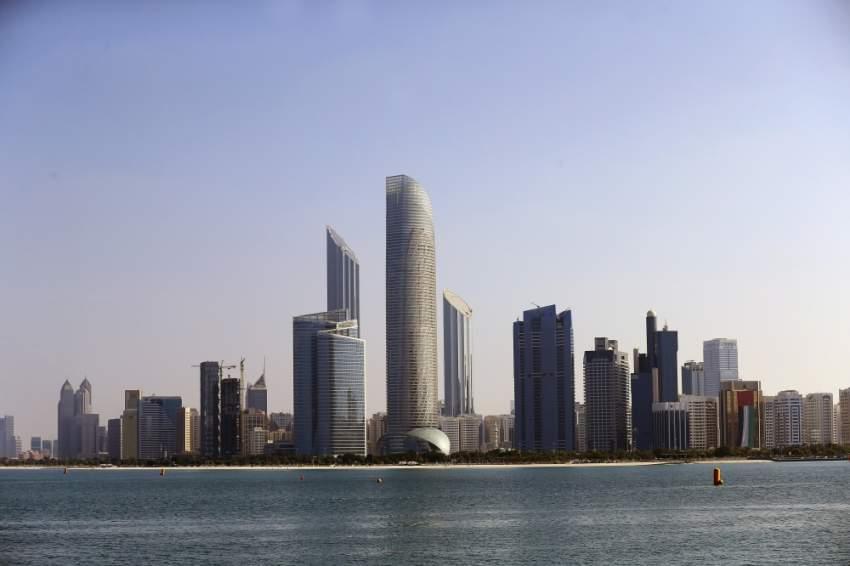 القطاع العقاري في الإمارات تأثر بالتباطؤ الاقتصادي. (الرؤية)