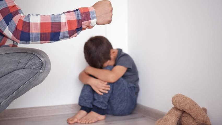 حاول تمالك أعصابك قبل التفكير في ضرب طفلك