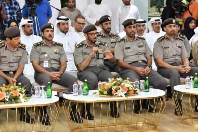 محمد المري متحدثاً خلال اللقاء الإعلامي حول «الإقامة الذهبية» في دبي. (الرؤية)