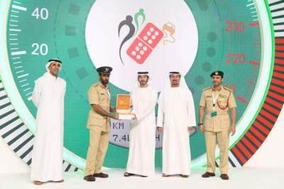 أثناء تكريم الشركاء الاستراتيجيين ورعاة مبادرة النقاط البيضاء لتكريم السائقين الملتزمين في دبي. (الرؤية)
