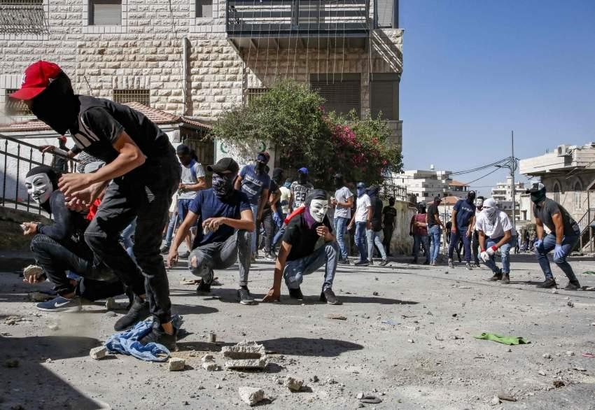 جانب من الاحتجاجات الفلسطينية المستمرة في القدس منذ الخميس. (أ ف ب)