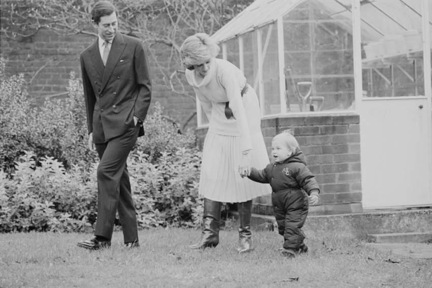 ولدت ديانا سبينسر في مثل هذا اليوم  عام 1961 وحصلت على لقب السيدة Lady  عام 1975 بعد أن ورث والدها لقب إيرل سبنسر