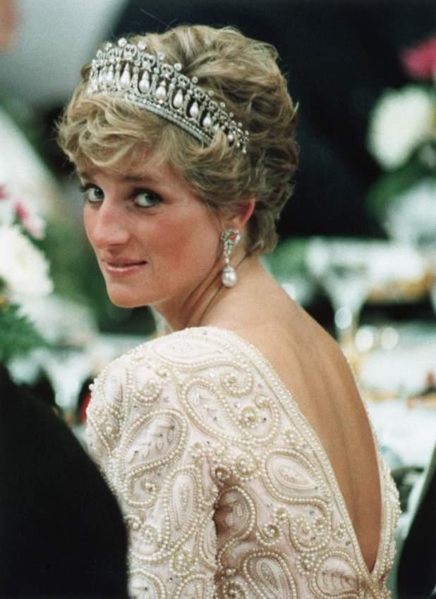 امتلكت أميرة القلوب مجموعة مجوهرات ورثتها عن عائلتها، أو كهدايا من الأمير تشارلز والعائلة الملكية البريطانية