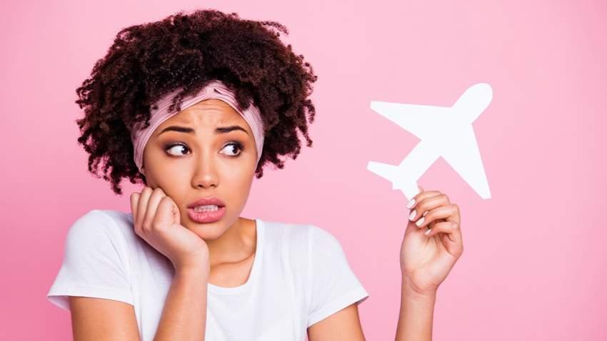 اتبع هذه النصائح لتجنب الغثيان والارهاق في الطائرة