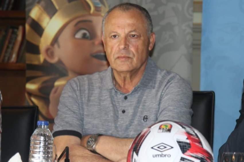 مصر: استقالة رئيس اتحاد كرة القدم وإقالة الجهاز الفني