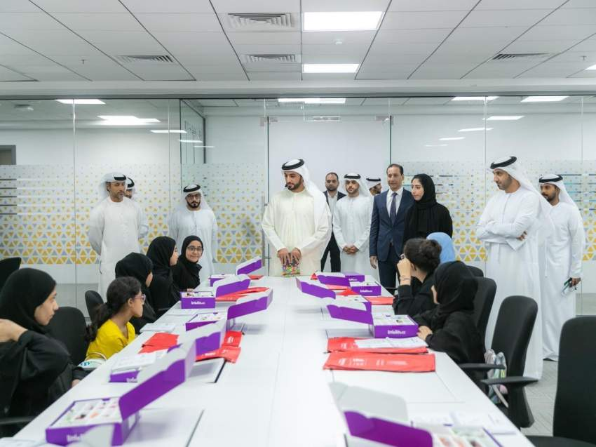 المبرمج الاماراتي ينطلق في عجمان بمشاركة 200 طالب وطالبة