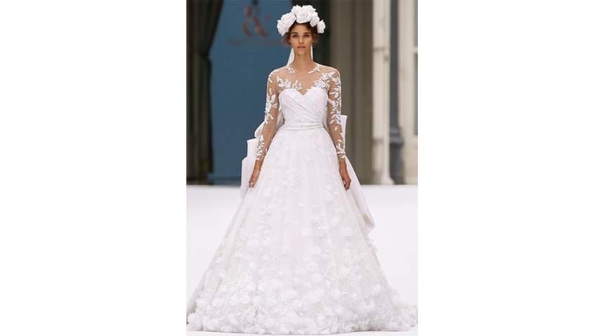 فستان زفاف رالف أند روسو في باريس