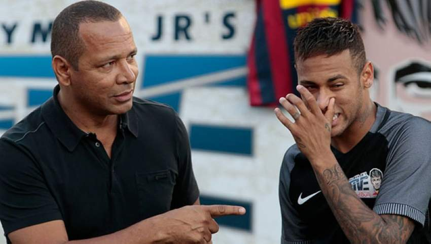 0_Neymar-during-a-five-a-side-football-match-as-part-of-a-Neymar-Junior-Institute-project-in-Praia-G