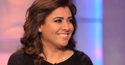 نشوى مصطفى تفاجئ ابنها بحفل زفافه وتغني له بطريقة كوميدية
