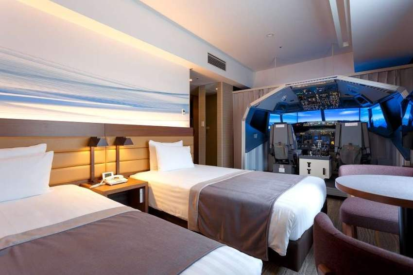 فندق في اليابان يتيح الفرصة لخوض تجربة قيادة الطائرة من داخل الغرف