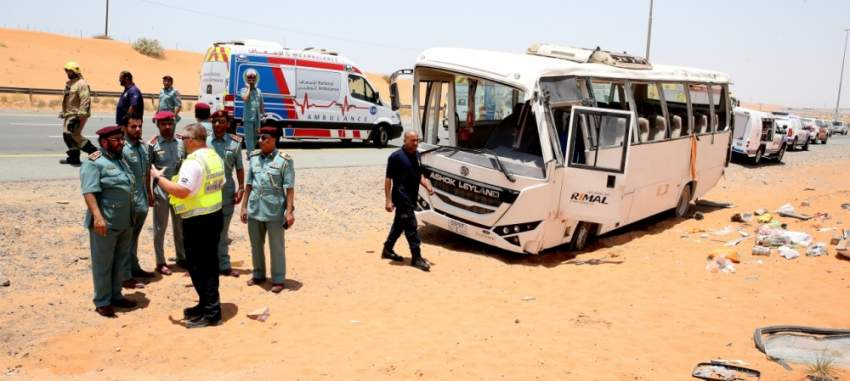وفاة اثنين وإصابة 31 بتدهور حافلة  عمال