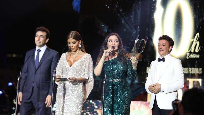 لطيفة التونسية خلال التكريم(مصدر الصور صفحة بياف الرسمية على فيسبوك)