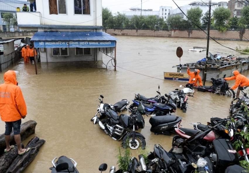 ارتفاع عدد ضحايا الفيضانات والانهيارات الأرضية في نيبال