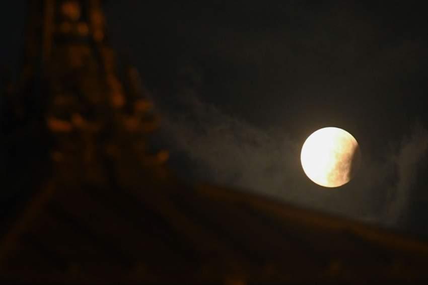خسوف القمر شُوهد أيضا في نيبال