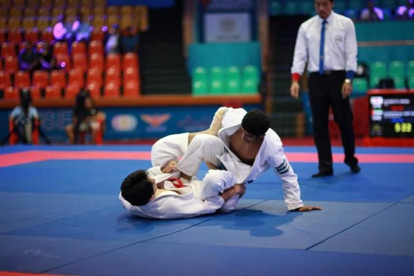 من نزالات الجوجيتسو في البطولة الآسيوية.