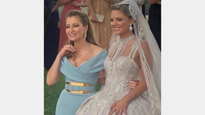 العروس مع زوجة إيلي صعب