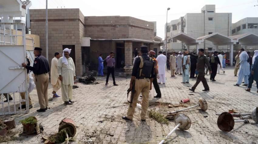 انتحارية في الـ 28 من العمر وصلت مشياً وقامت بتفجير نفسها، ما أدى إلى مقتل شرطيين اثنين وأربعة مدنيين