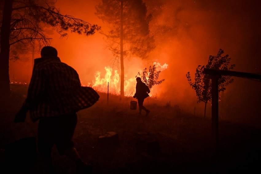 ما زالت البرتغال تحت صدمة هذه الحرائق وتبذل فرق الإطفاء جهوداً شاقة لتجنب تكرارها. (أ ف ب)