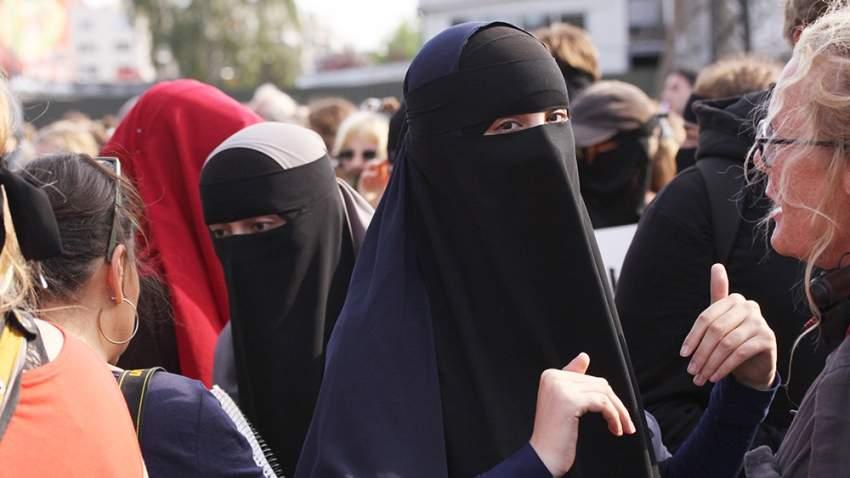 غرامة 150 يورو لمن ترفض الكشف عن وجهها