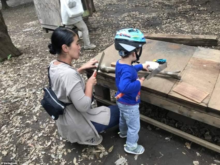 لهو بالسكاكين والمطارق في حديقة أطفال يابانية