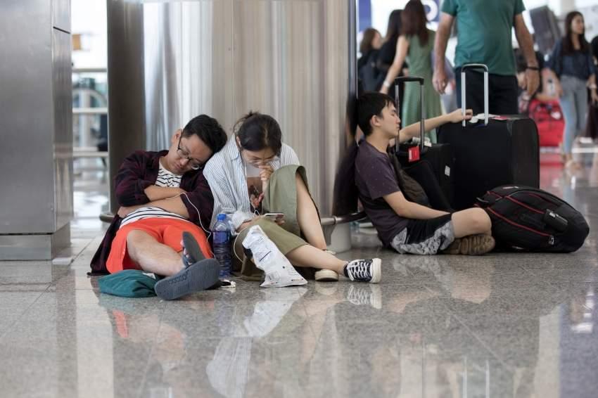 تعطل حركة الطيران في المطارات بسبب الإضراب العام. (إي بي أيه)