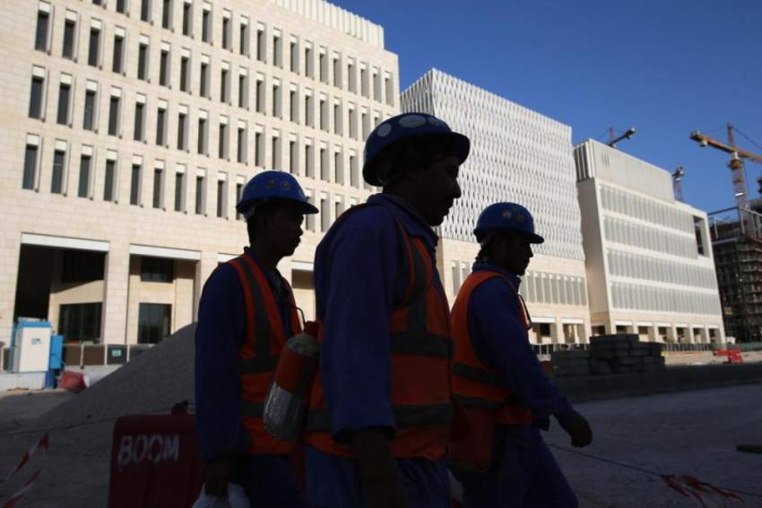 صورة نشرتها هيومن رايتس ووتش لعمال في وسط الدوحة.