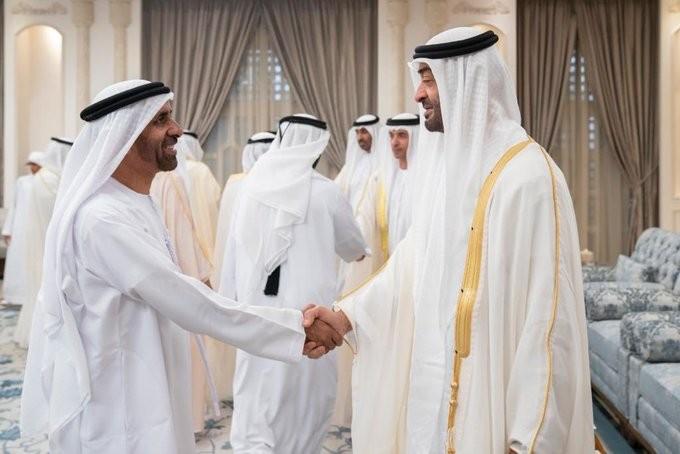 محمد بن زايد يستقبل المهنئين بعيد الأضحى المبارك