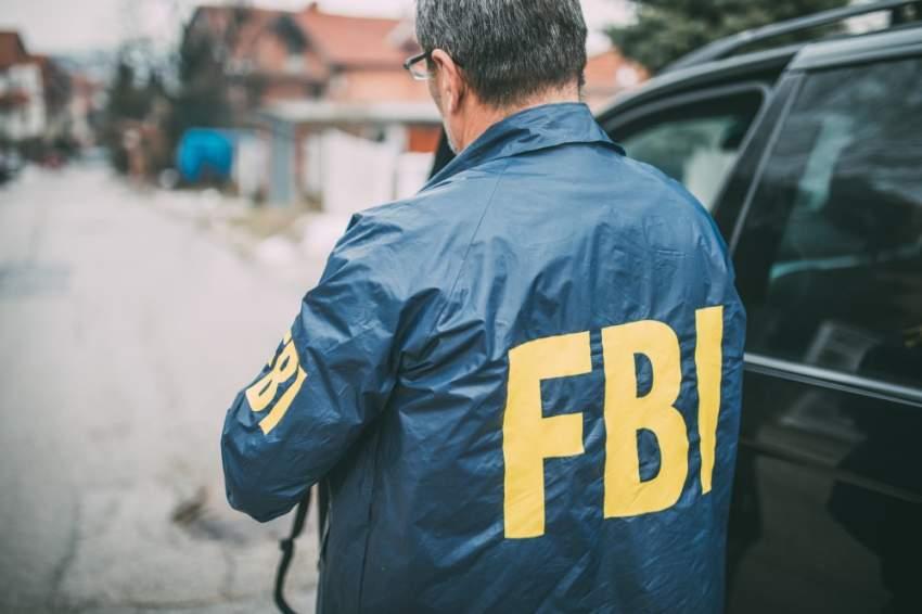 الشرطة الأمريكية تعثر على أسلحة لدى رجل أطلق تهديدات بالقتل