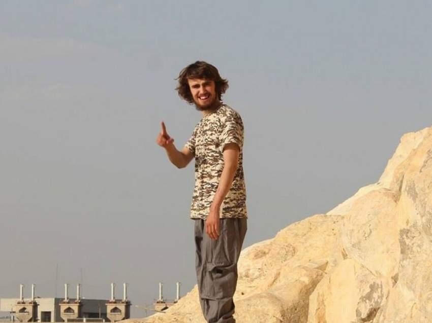 بريطانيا تُسقط جنسيتها عن إرهابي داعشي