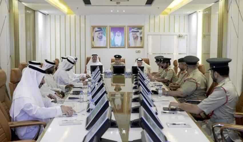 خلال اجتماع تقييم أداء الإدارة العامة لمكافحة المخدرات في شرطة دبي. (الرؤية)
