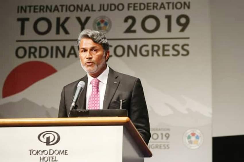 ناصر التميمي يلقي كلمة الاتحاد خلال الجمعية العمومية.