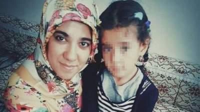 صدمة في تركيا بعد فيديو لرجل يقتل طليقته بمقهى