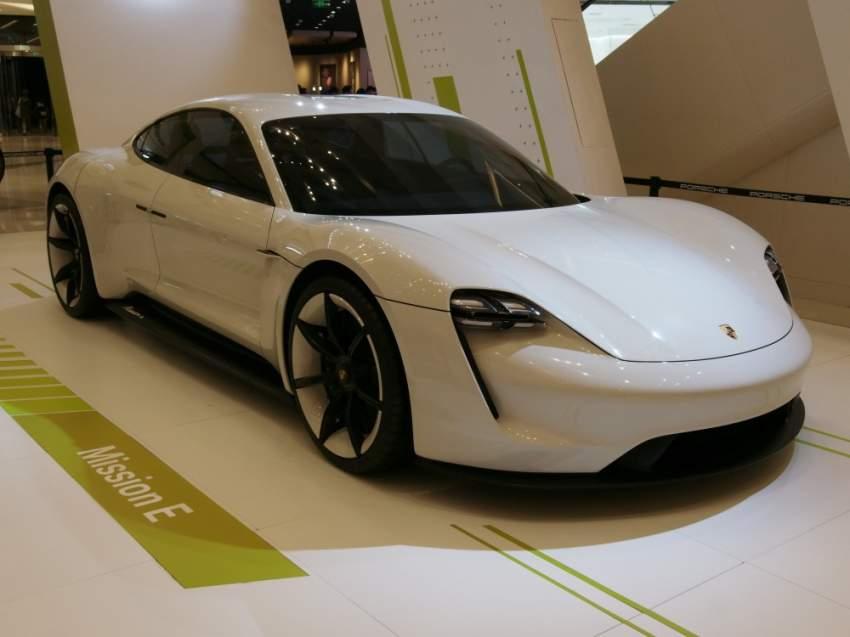 «بورشة تايكان» تصنف كأسرع سيارة تحت فئة السيارات الكهربائية