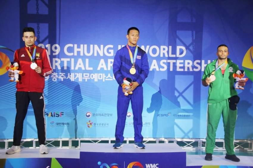 تتويج المعتصم بفضية بطولة العالم بكوريا