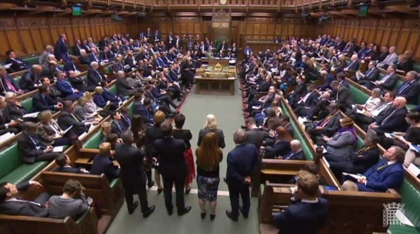 البرلمان البريطاني يستعد لمواجهة قد تؤدي لإجراء انتخابات مبكرة