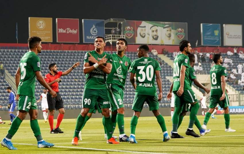 من مباراة شباب الأهلي والجزيرة في كأس الخليج العربي.