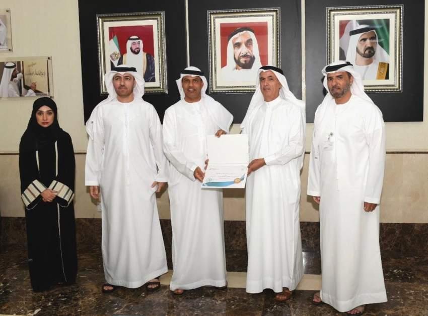 جمارك دبي تتوج تميزها في المسؤولية المجتمعية بالحصول على علامة دبي للوقف
