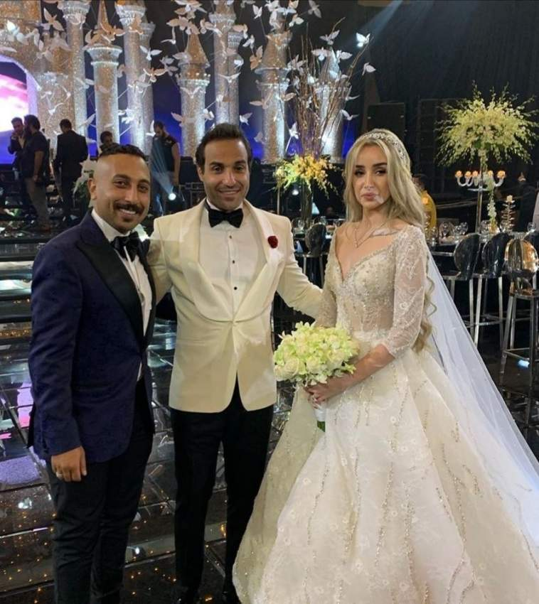هنا الزاهد وأحمد فهمي خلال حفل زفافهما