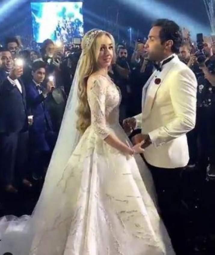 هنا الزاهد وأحمد فهمي خلال رقصتهما الأولى