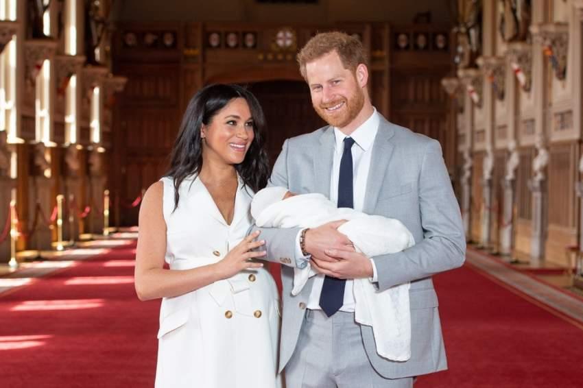 احتفل الأمير هاري وزوجته ميغان ماركل بقدوم مولدهم الأول آرتشي في مواليد 6 مايو 2019 وهو الطفل الأول لهما، وهو السابع في ترتيب العرش البريطاني. ويحمل الجنسيتين البريطانية والأمريكية.