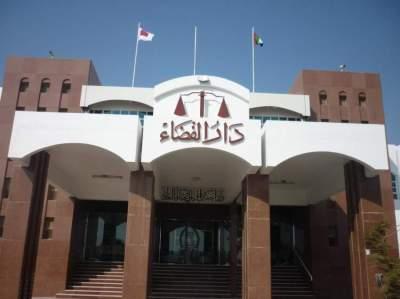 الحكم على 5 متهمين بالإتلاف وسرقة منازل تحت الإنشاء برأس الخيمة