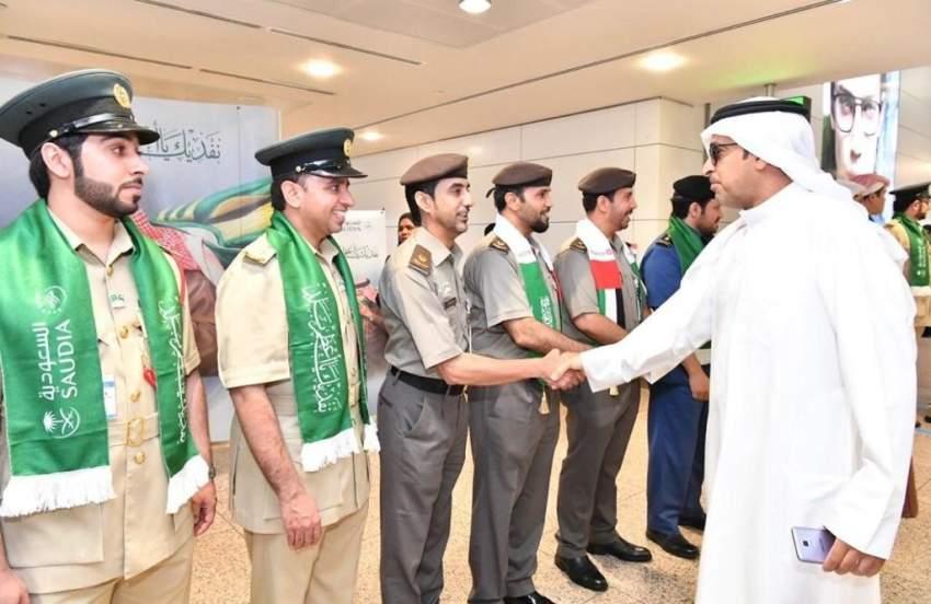 إقامة دبي تحتفي بالمواطنين السعوديين القادمين إلى الدولة بمناسبة اليوم الوطني للمملكة