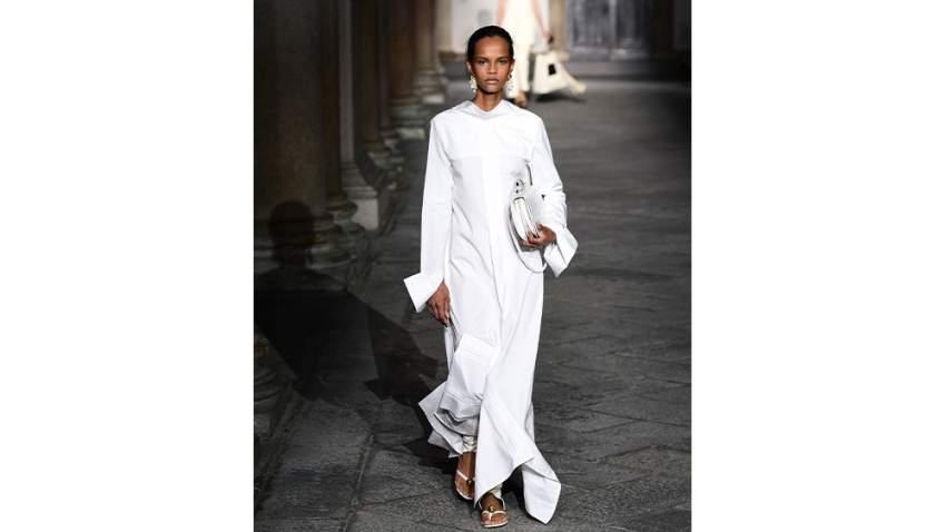 تصميم يلائم المرأة المحجبة من أسبوع الموضة في ميلانو