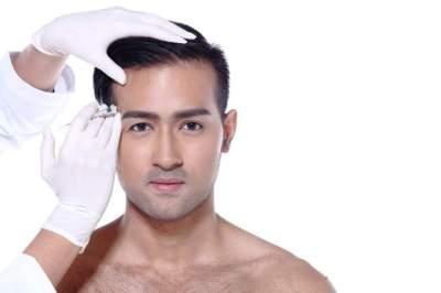 40 % ممن يجرون عمليات التجميل رجال