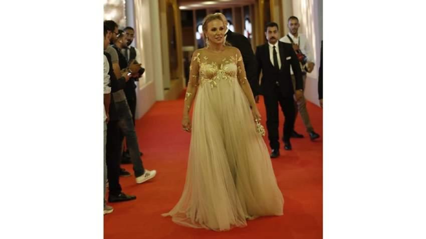 شيرين رضا اختارت فستان فضفاض لم يلائمها