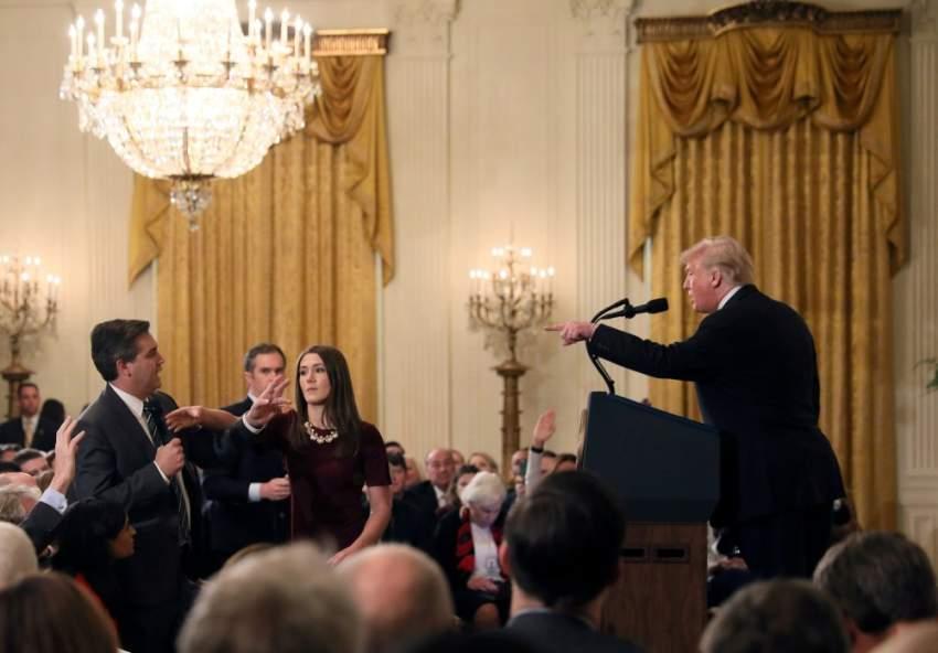 الرئيس الأمريكي في جدال حاد مع مراسل الـ cnn