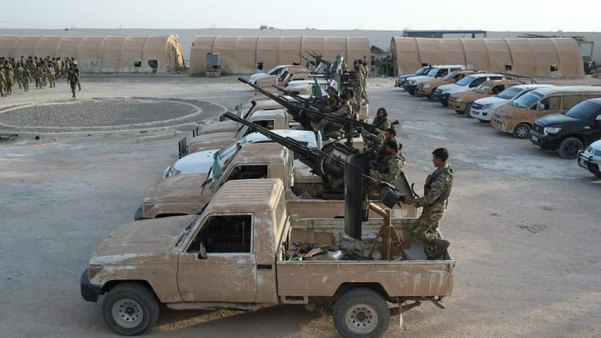 قوات الجيش السوري في عزاز تستعد للتحرك للمنطقة الحدودية (إي بي أيه)